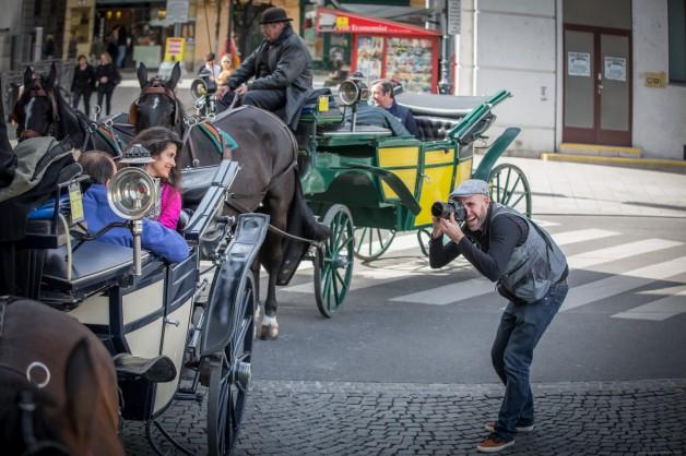 Ernesto Oehler photographing an incentive trip in Vienna, Austria.