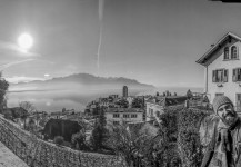 El equipo Plonsky en Montreux, Suiza, después de un rodaje de varios días.
